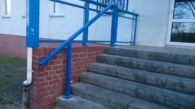 Treppe mit Handlauf nach Fertigstellung